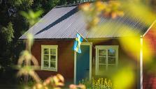Ställer om för att locka svenskar på hemester
