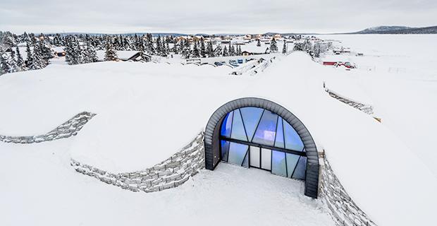 Världens första året runt-öppna ishotell står klart